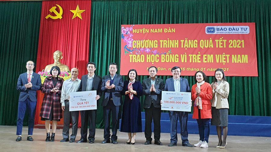 Những món quà 'Vì trẻ em Việt Nam' đã tới Nghệ An