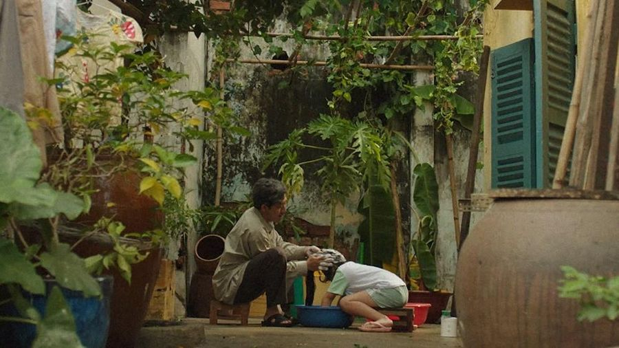 MC Trấn Thành lại làm 'Thành Cry', bật khóc vì một bài hát viết về cha