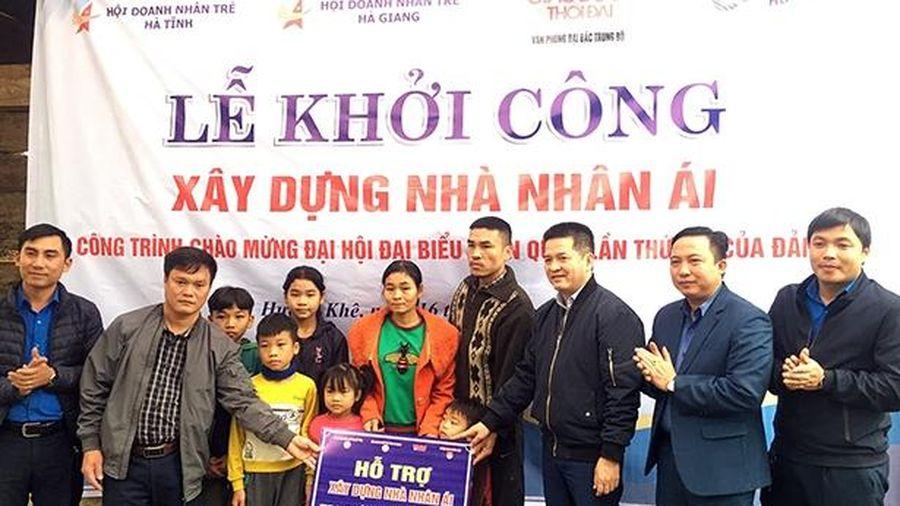 Hỗ trợ gia đình khó khăn ở Hương Khê xây nhà nhân ái
