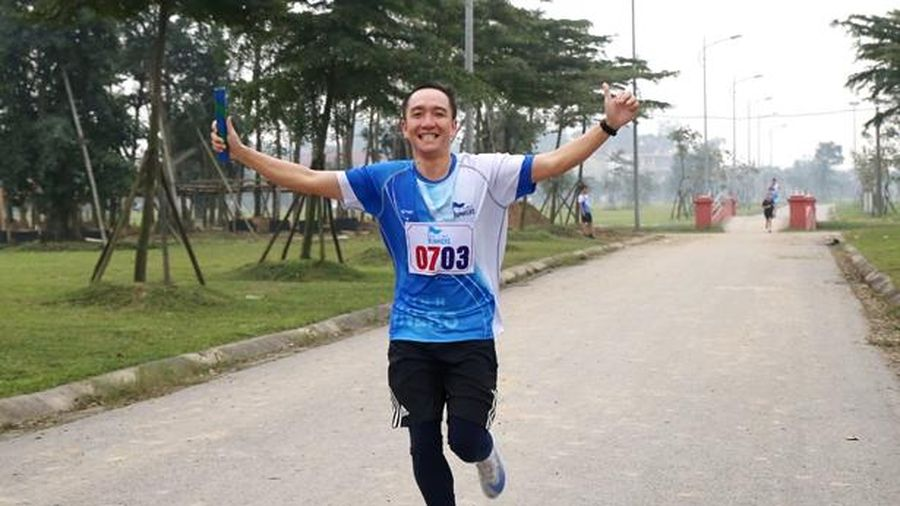 Người dân Hà Tĩnh hưởng ứng ngày hội chạy bộ 'Tiếp sức cùng đồng đội'