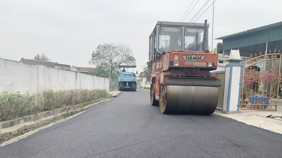 Huyện ven biển Hà Tĩnh phấn đấu thảm nhựa 44 km đường bê tông năm 2021