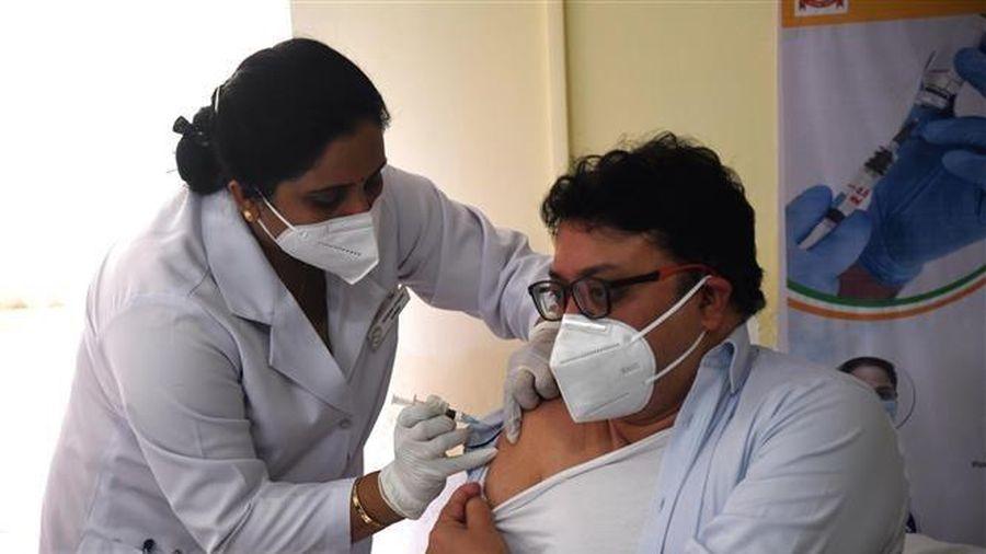 Chiến dịch tiêm chủng toàn quốc ngừa COVID-19 của Ấn Độ gặp trục trặc