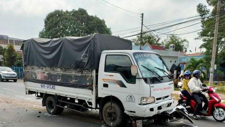 Vụ tài xế ngủ gật đâm xe vào 6 người: Một em tử vong do đa chấn thương