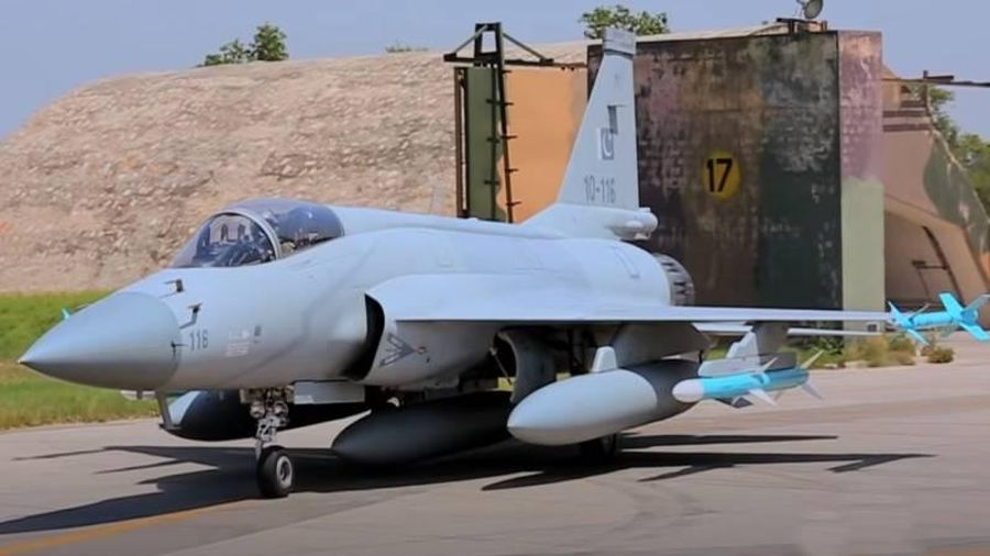 Azerbaijan sắp nhận tiêm kích JF-17 đầu tiên