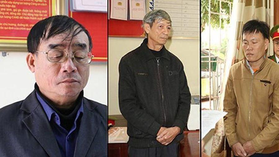 Bắt hai chủ tịch xã khai khống hồ sơ lấy tiền hỗ trợ lũ lụt của dân
