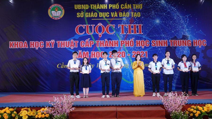 109 dự án đoạt giải cuộc thi Khoa học kỹ thuật cấp thành phố học sinh trung học