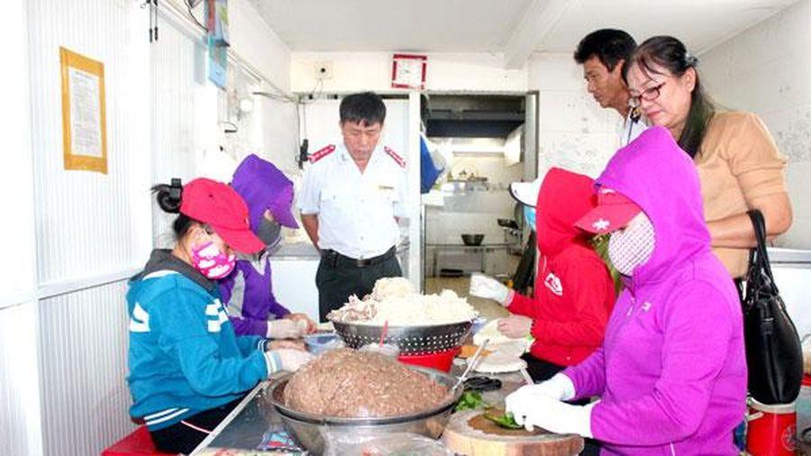 12 cơ sở vi phạm về an toàn vệ sinh thực phẩm