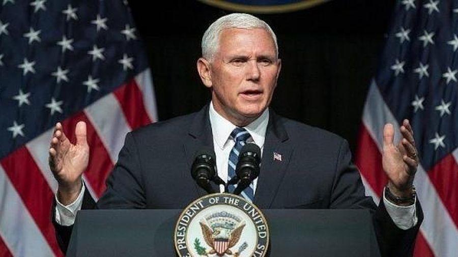 Phó tướng Mike Pence nhắc khéo Tổng thống đắc cử phải luôn 'cảnh giác không ngừng'