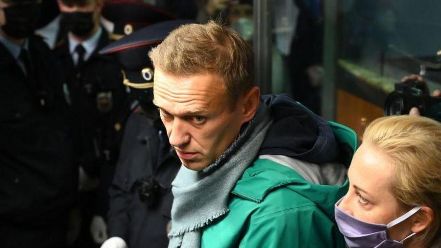 Ông Navalny vừa quay về Nga đã bị bắt ngay tại sân bay