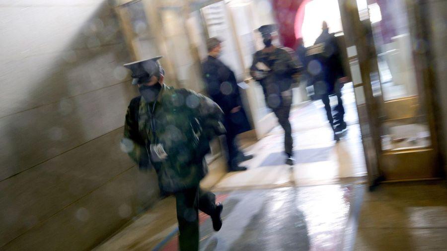 Điện Capitol lại bị phong tỏa