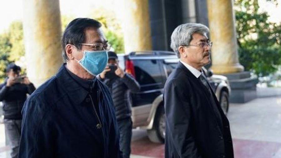Phiên tòa xét xử cựu Bộ trưởng Vũ Huy Hoàng bị hoãn lần 2