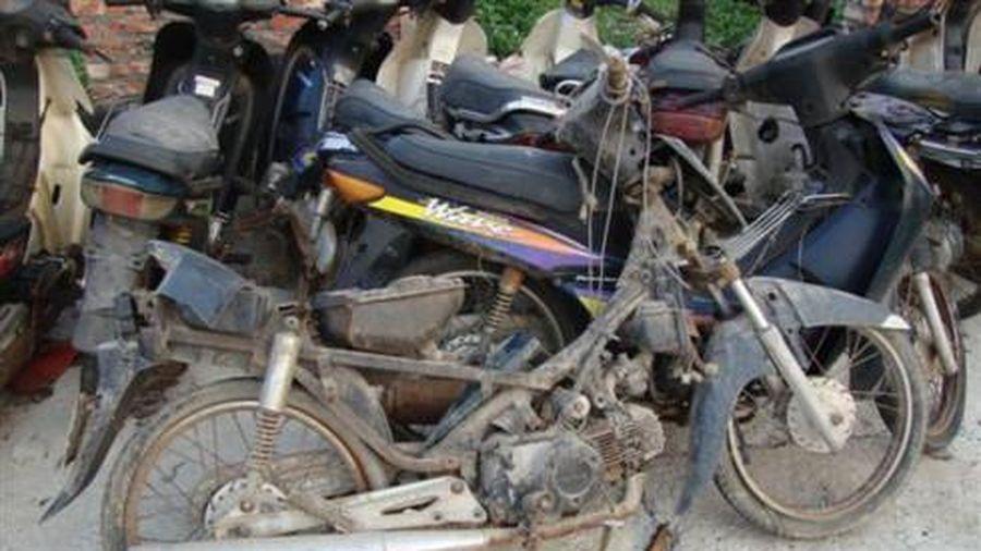 Nghiên cứu thông tin 'Thu hồi xe cũ nát: Bàn nhiều, làm ít'