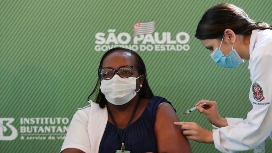Brazil phê duyệt việc sử dụng khẩn cấp hai loại vaccine