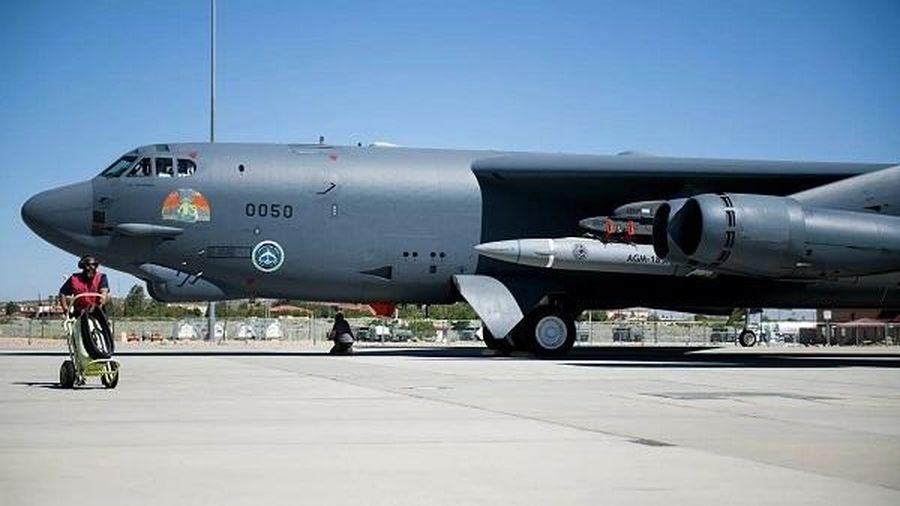 'Pháo đài bay' B-52 của Mỹ lại bay qua Trung Đông