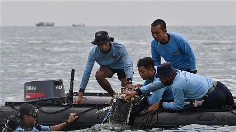 Rơi máy bay ở Indonesia: Kéo dài hoạt động tìm kiếm thêm 3 ngày