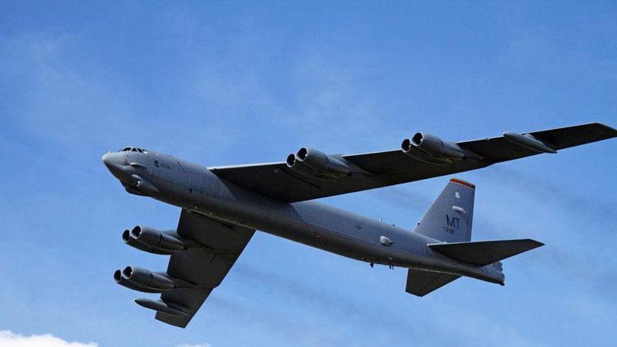Máy bay ném bom chiến lược của Mỹ bay qua Israel về phía Vịnh Ba Tư