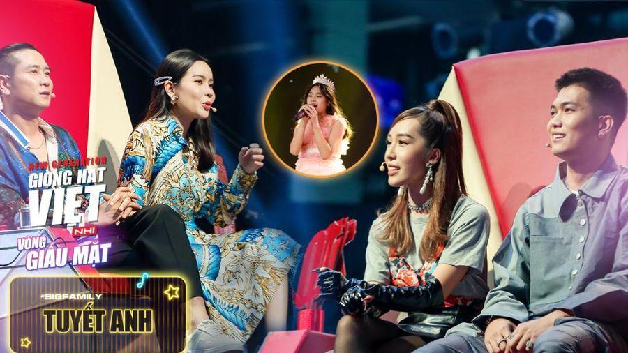 Tiểu Thủy Tiên sở hữu giọng hát ngọt lịm khiến BigDaddy - Emily tranh giành kịch liệt với Team Giang Hồ
