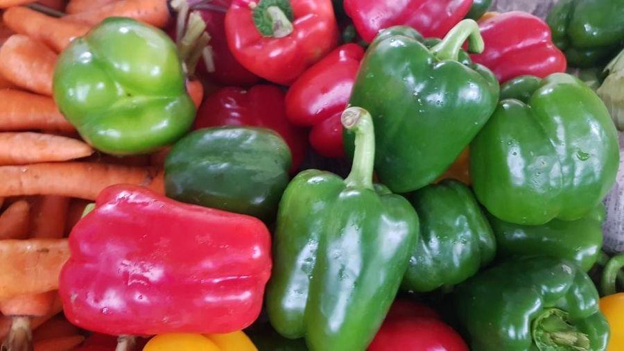 Giá thực phẩm hôm nay 18/1: Thực phẩm, rau củ ổn định, trái cây rớt giá