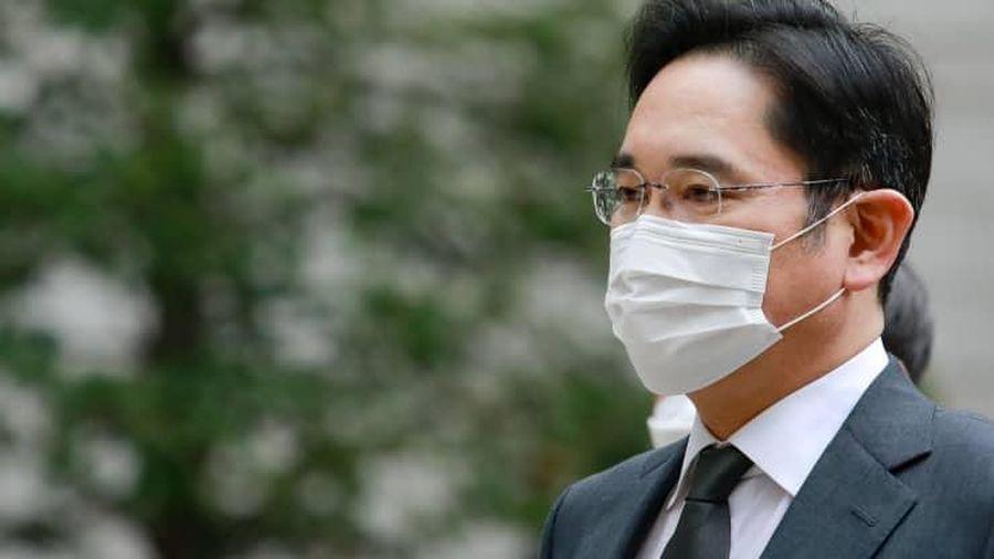 'Thái tử' Samsung lĩnh án 2,5 năm tù giam
