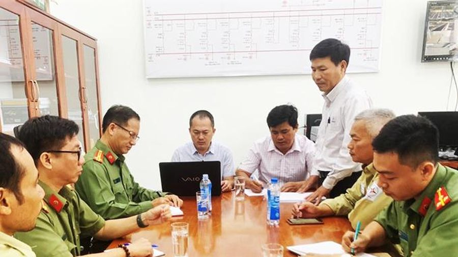 Kiểm tra công tác vận hành đảm bảo an ninh năng lượng tại Trạm biến áp 220kV Vân Phong