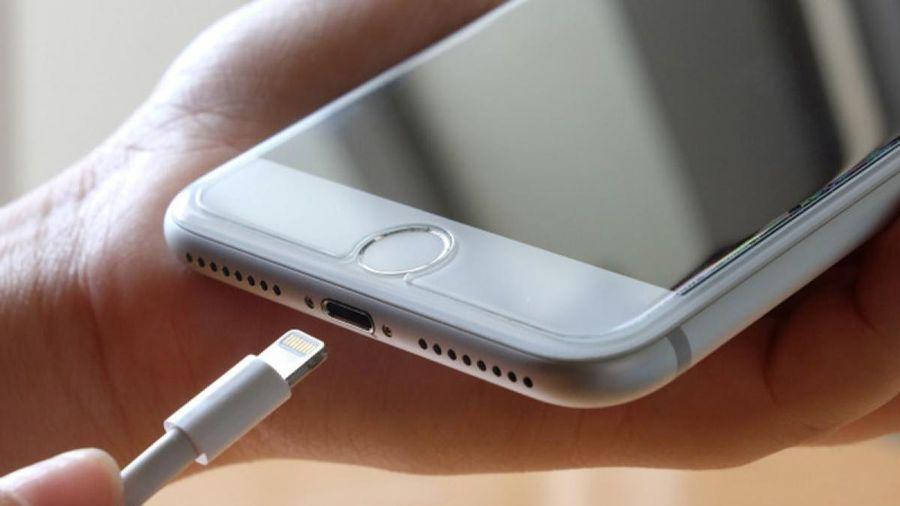 Cách nhận biết xem pin iPhone đã được sạc lại bao nhiêu lần