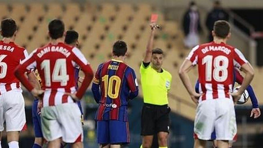 Mất Siêu cup Tây Ban Nha, Messi còn lĩnh thẻ đỏ