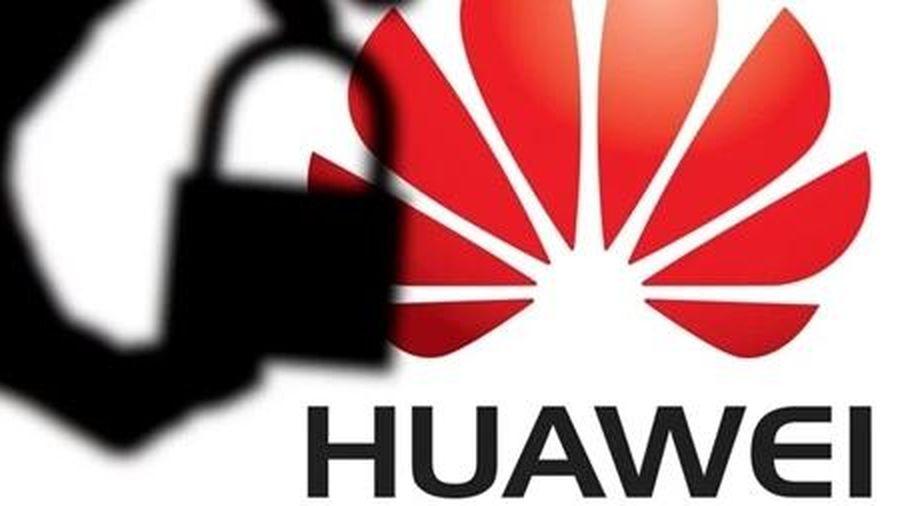 Tổng thống Trump 'ra đòn' mạnh với Huawei