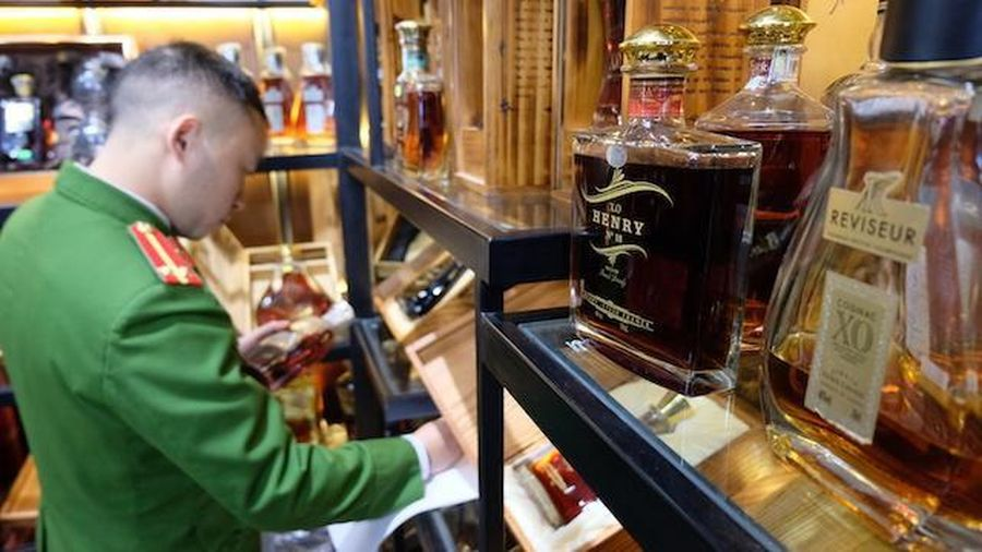 Lộ nhiều vi phạm tại cơ sở kinh doanh rượu ở 125 phố Thái Hà