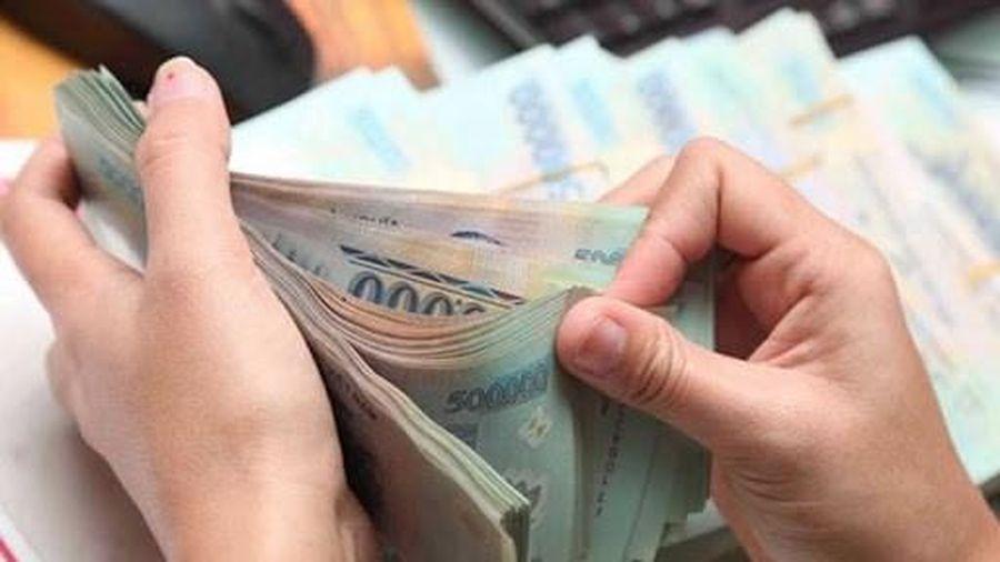Có được ứng trước tiền lương tháng 2 để nghỉ Tết Nguyên đán?