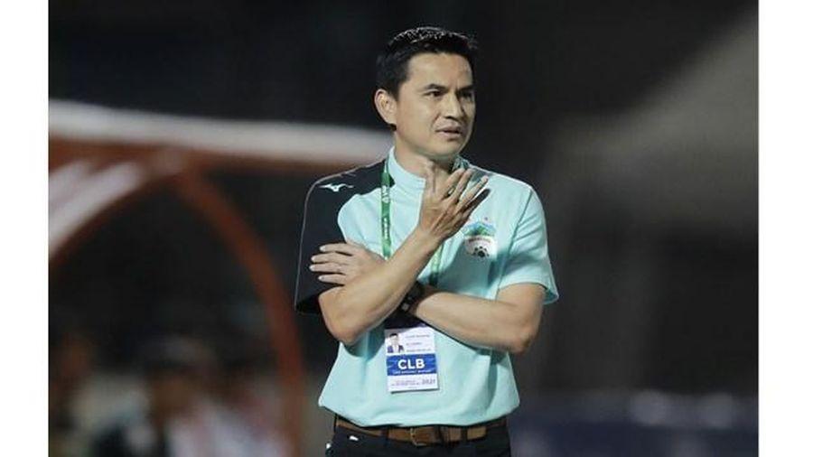 HLV Kiatisak nhận thất bại đầu tiên ở V-League