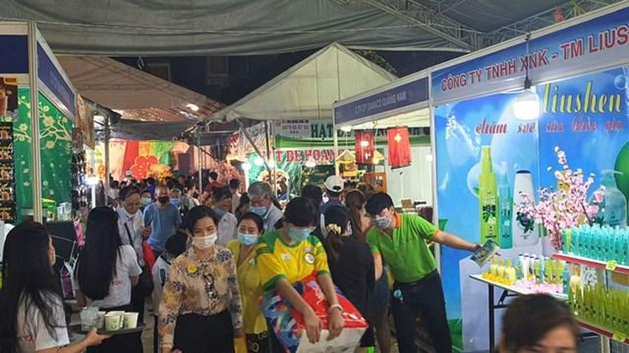 Hơn 200 gian hàng tại Hội chợ Xuân Tân Sửu quận Tân Bình