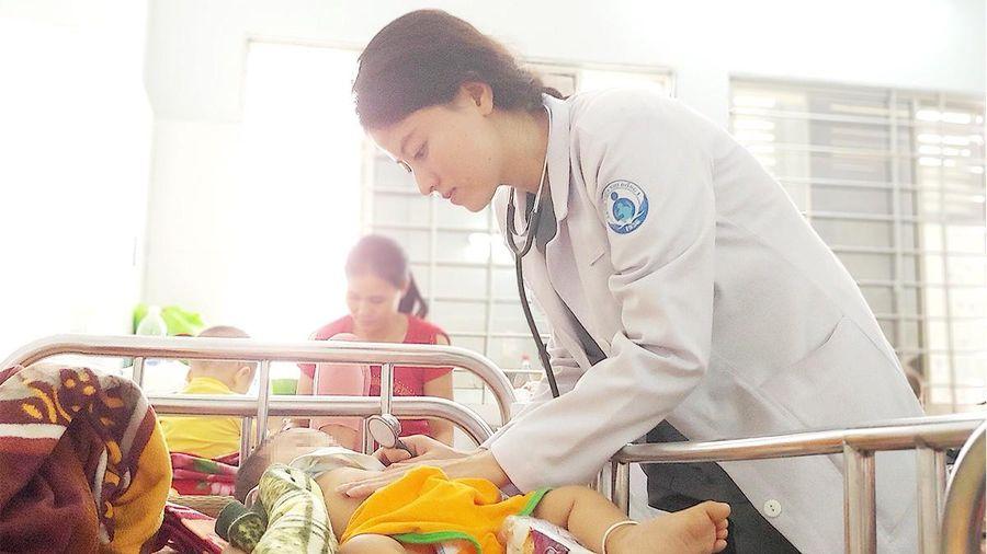 Học y phải thi mới được làm bác sĩ