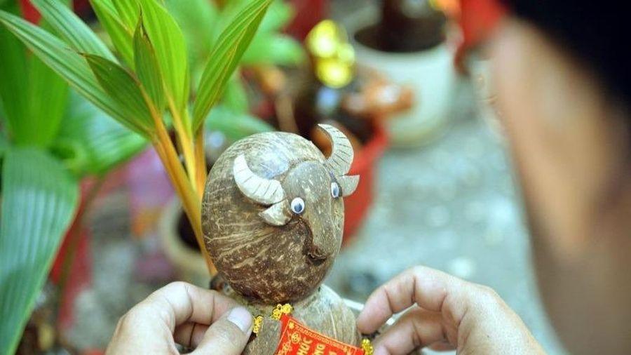 Chiêm ngưỡng bonsai hình trâu độc lạ năm Tân Sửu