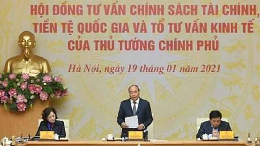 Thủ tướng Nguyễn Xuân Phúc: Chúng ta không được vấp ngã để kinh tế Việt Nam tụt dốc