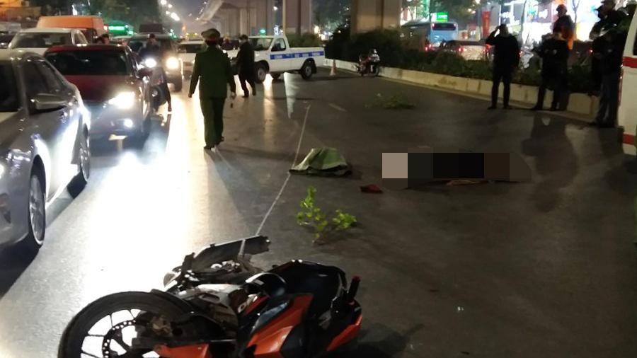 Tạm giữ thanh niên lái xe máy tông chết 2 người ở Hà Nội