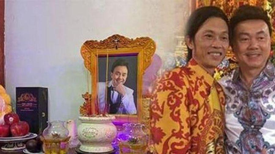Ngoài Chí Tài, có một nữ nghệ sĩ được Hoài Linh trang trọng thờ ở nhà thờ Tổ