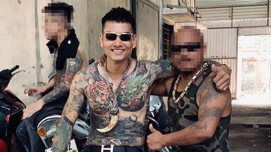 Kẻ nổ súng bắn vào xe của 'thánh chửi' Dương Minh Tuyền từng có tiền án