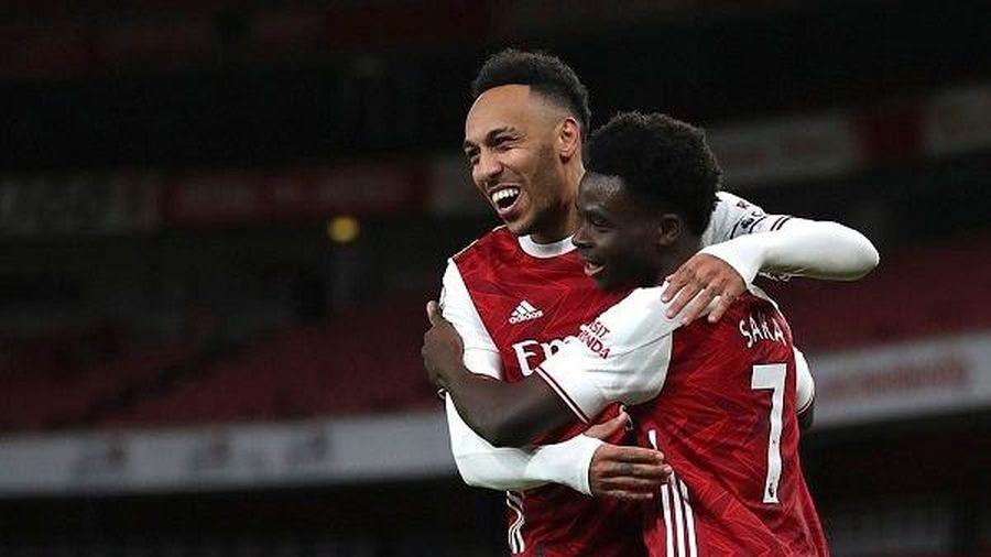 Arsenal thắng đậm, Chelsea vắng trụ cột trong cuộc đại chiến với Leicester City