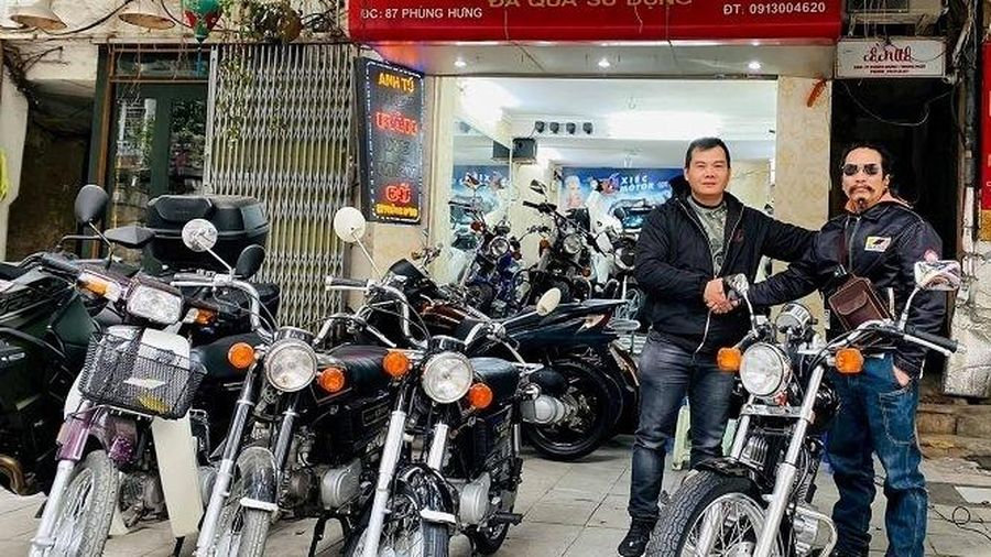 Xe máy cũ giá ngang ngửa ô tô, khách Việt chịu chi sắm chơi Tết