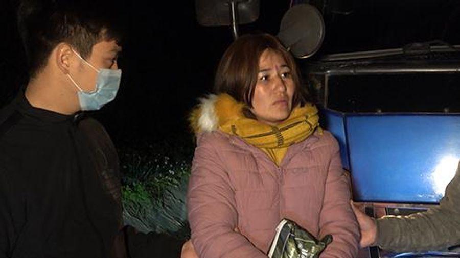 Bắt 'nữ quái' vận chuyển thuê 2.000 viên ma túy trong đêm