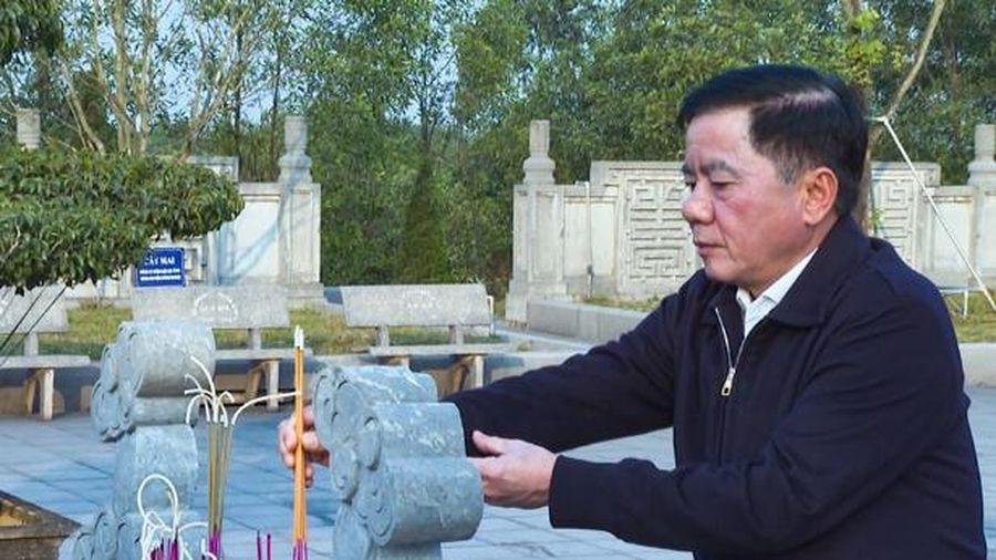 Chủ nhiệm Ủy ban Kiểm tra Trung ương dâng hương tại các địa chỉ đỏ ở Hà Tĩnh