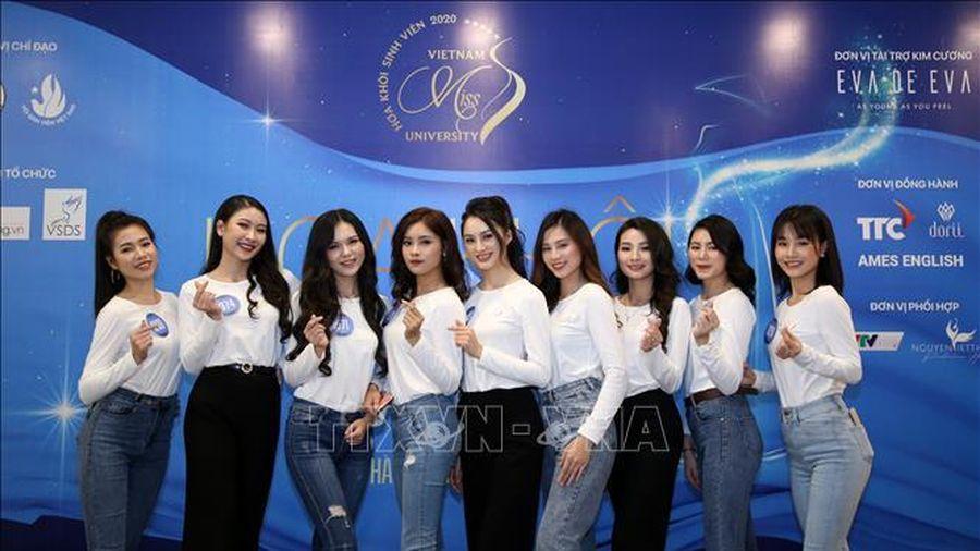 Nữ sinh Lê Thị Tường Vy đăng quang Hoa khôi Sinh viên Việt Nam 2020