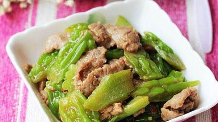 Cách làm món thịt bò xào mướp đắng thơm ngon đãi cả nhà ai ăn cũng thích