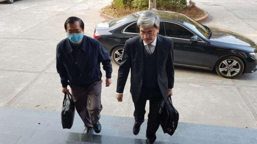 Vì sao cựu Bộ trưởng Vũ Huy Hoàng không bị còng tay khi đến tòa?