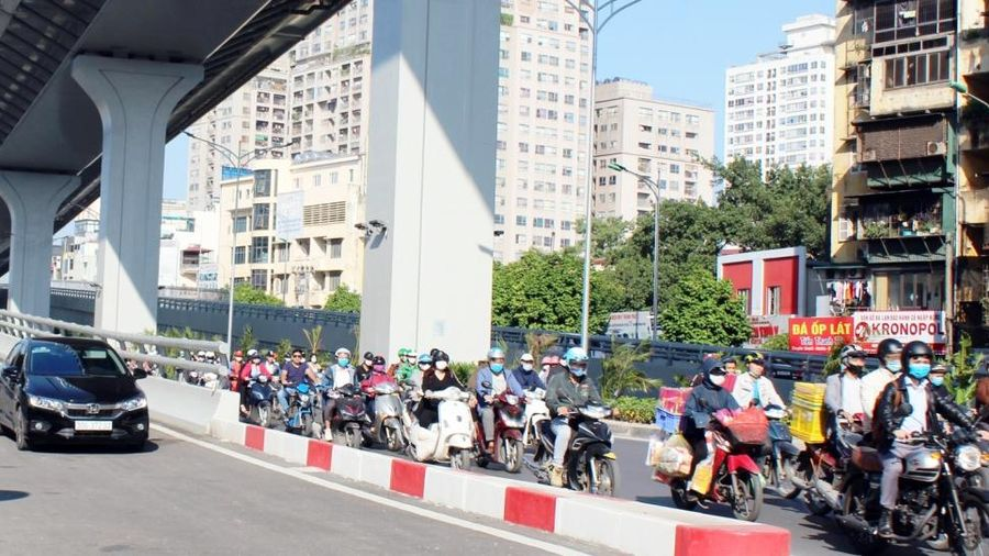 Đồng bộ nhiều giải pháp để giảm áp lực giao thông!