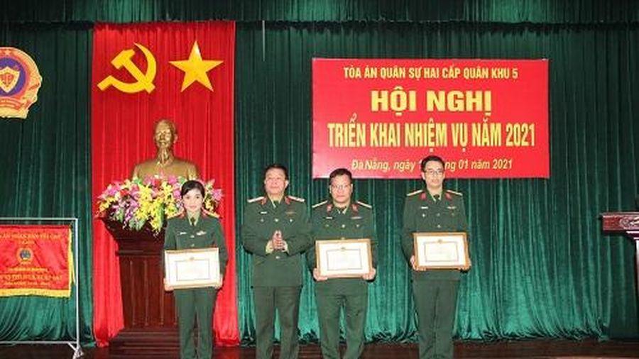 Tòa án quân sự hai cấp Quân khu 5 triển khai nhiệm vụ năm 2021