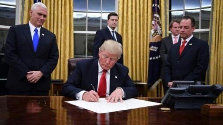 Ông Trump tiếp tục thể hiện quan điểm cứng rắn với UAV Trung Quốc trước khi rời nhiệm sở