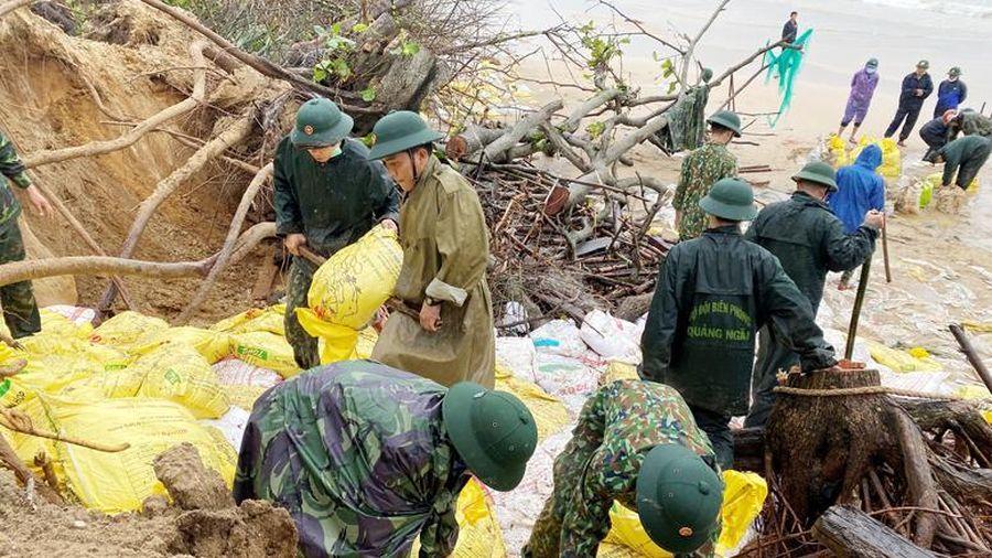Giúp dân giữ đất, giữ làng