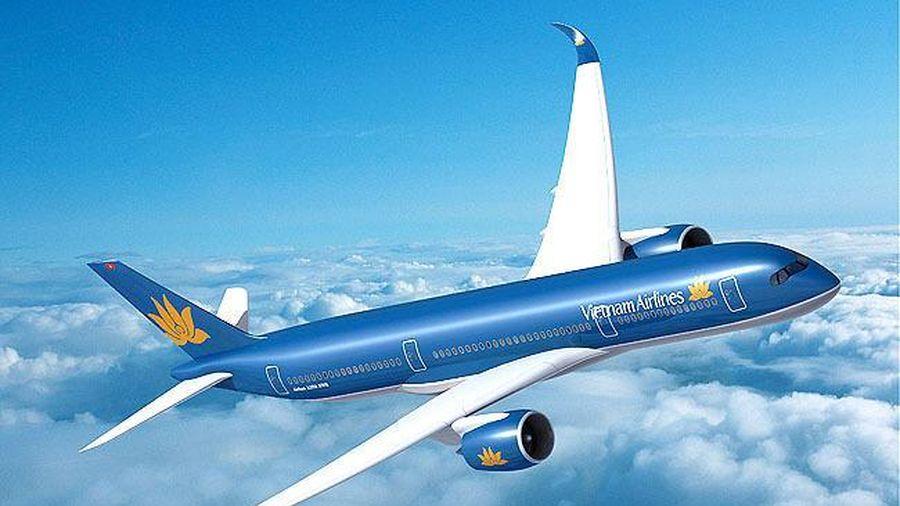 Vietnam Airlines tổ chức lễ cưới 'trên mây' cho khách