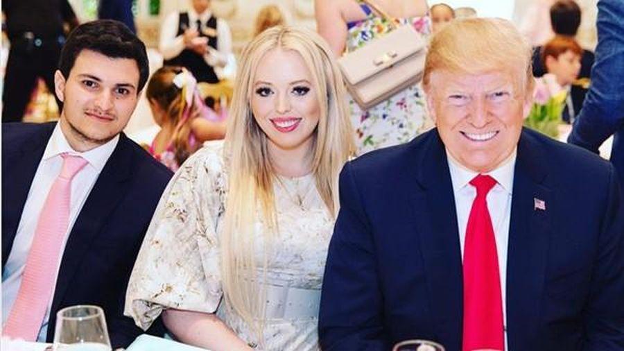 Con gái Tổng thống Trump gây chú ý vì chọn lúc bố sắp rời nhiệm sở để thông báo 'tin vui'